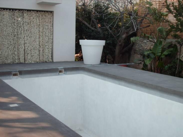 Piscine r alis e en stuc marmorino la chaux la ciotat for Stuc a la chaux toupret