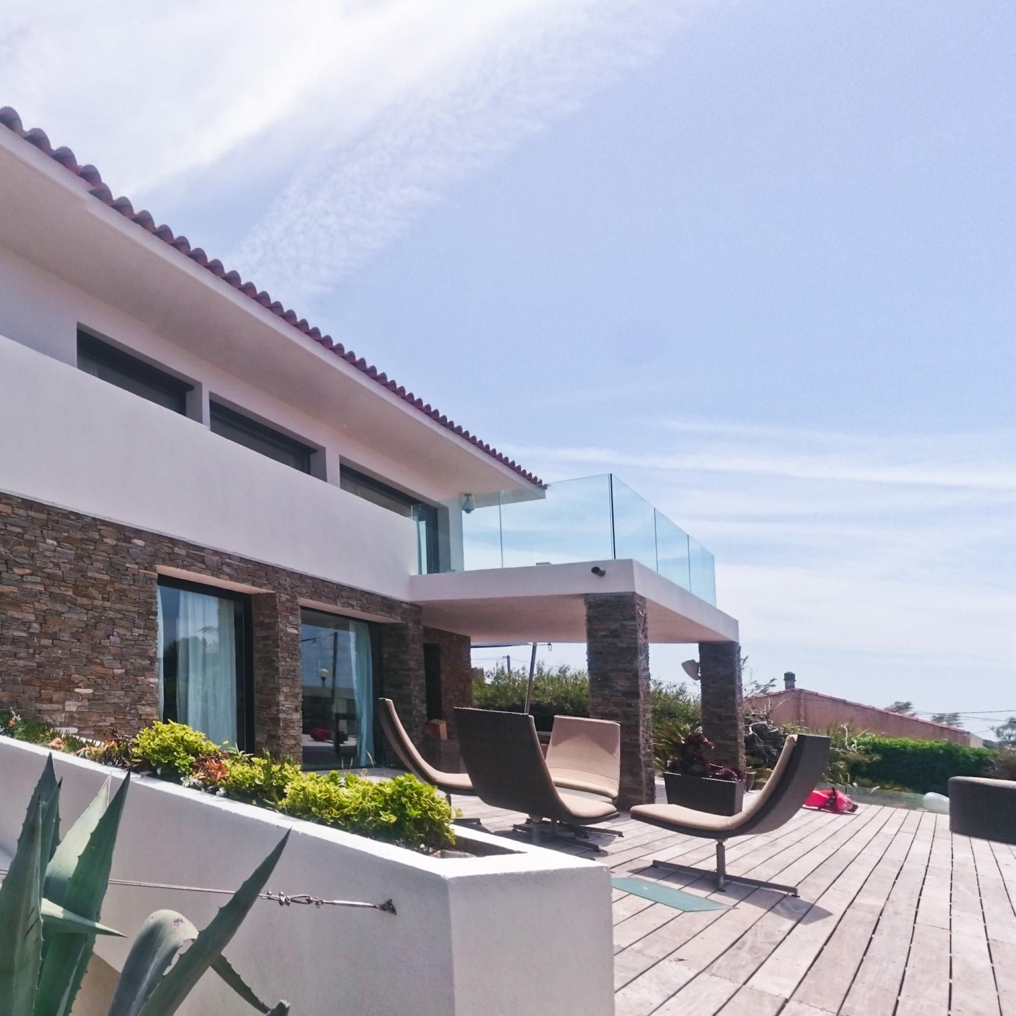 Façades et terrasse : décoration chaux et parements pierre